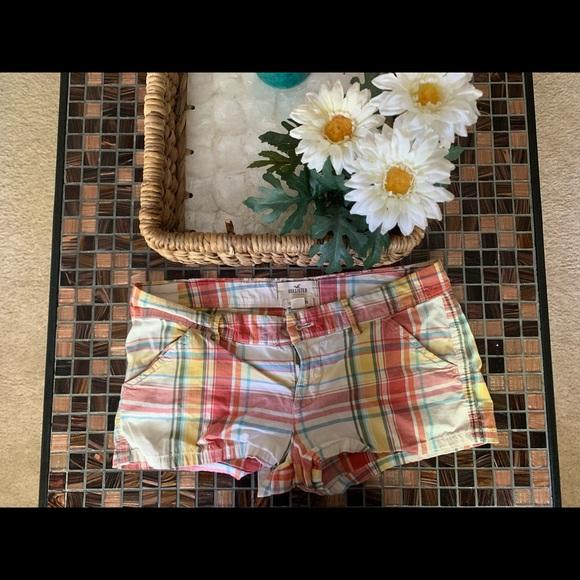 Hollister Pants - Hollister size 3 shorts